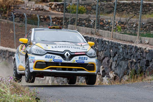 Victoria y título para Fran Cima en el Trofeo Canarias de Renault