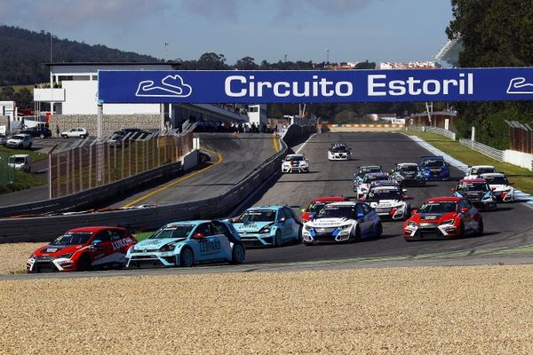 TCR 2016 Estoril salida 2