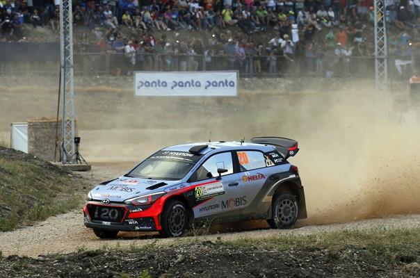 ► WRC: Neuville lidera el Rallye de Italia tras la primera etapa