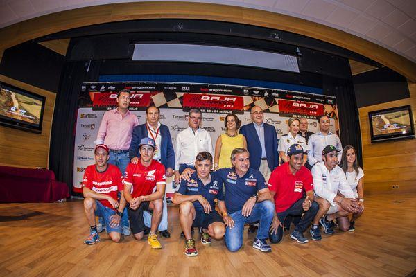 Bienvenida de los pilotos a la Baja Aragón 2016