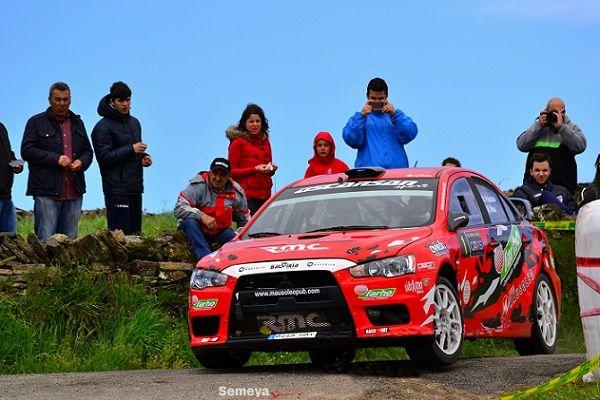Óscar Palacio logra su primer título de la temporada en el Rallysprint de Luarca