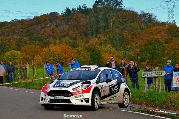 Óscar Palacio vence en el Rallye de casa