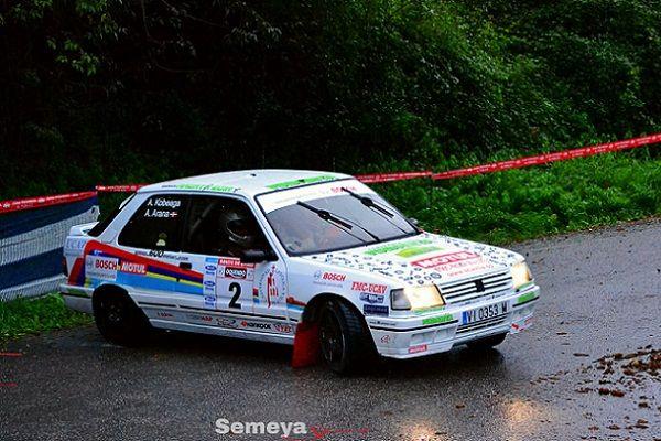 ► Rallye Aviles Histórico: Ander Arana gana en casa de Alonso
