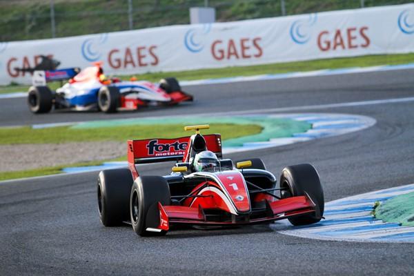 Primer día de tests colectivos de la Fórmula V8 3.5