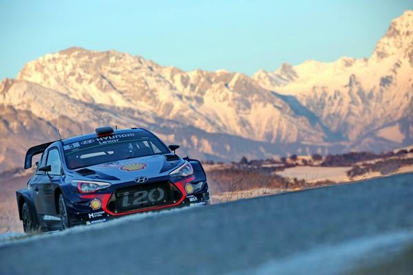 WRC: Dominio de Thierry Neuville tras el primer bucle