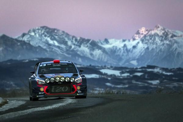 Neuville al frente del Rallye de Monte Carlo