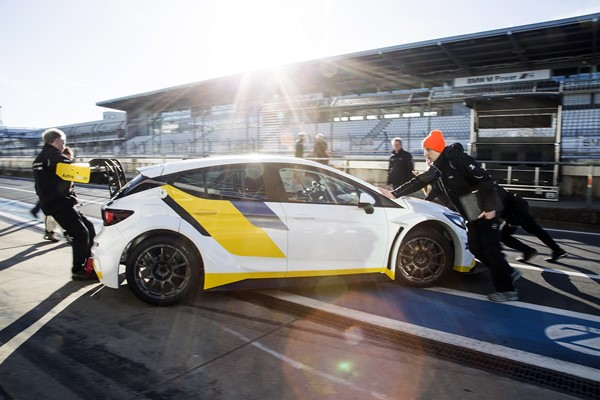 Opel Astra TCR 2017
