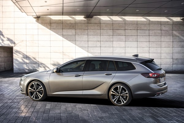 Opel Insignia Sports Tourer 2017, fotos generales