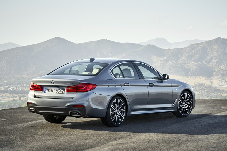 BMW Serie 5 2017, fotografías generales