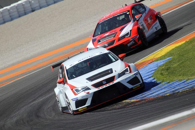CER SEAT Leon Cup Racer Aviño cheste