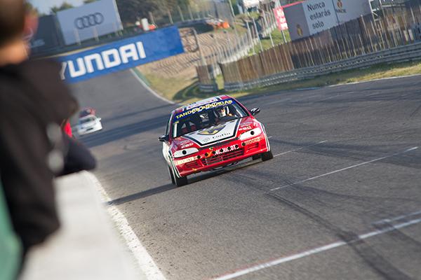Pole position y dos victorias en el estreno del Honda Civic