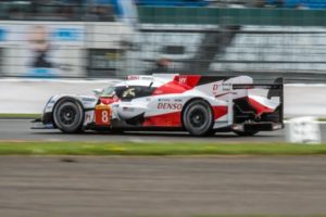 Toyota vence en Silverstone con Buemi, Davidson y Nakajima