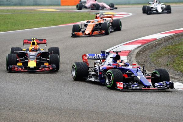 sainz f1 toro rosso gp china