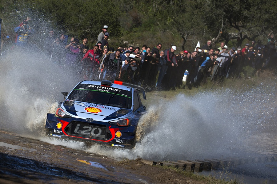 ► WRC: Neuville aprieta a Evans en Argentina