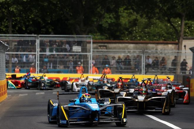 """► Formula e: nueva victoria de Buemi y primer podio de """"Pechito"""""""