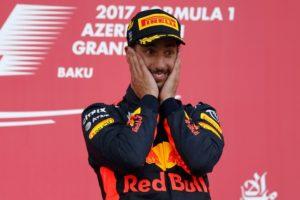 Ricciardo se encuentra con la victoria en Azerbayán