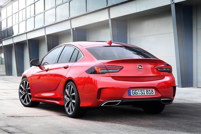 Opel Insignia GSi, con motor de 260 cv, pero más rápido que el OPC