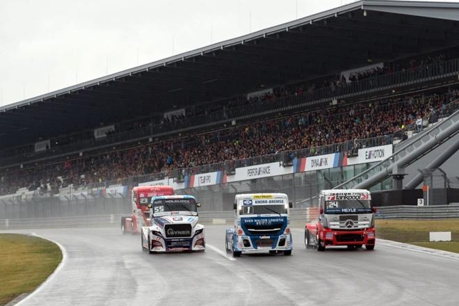 camiones misano lluvia sabado