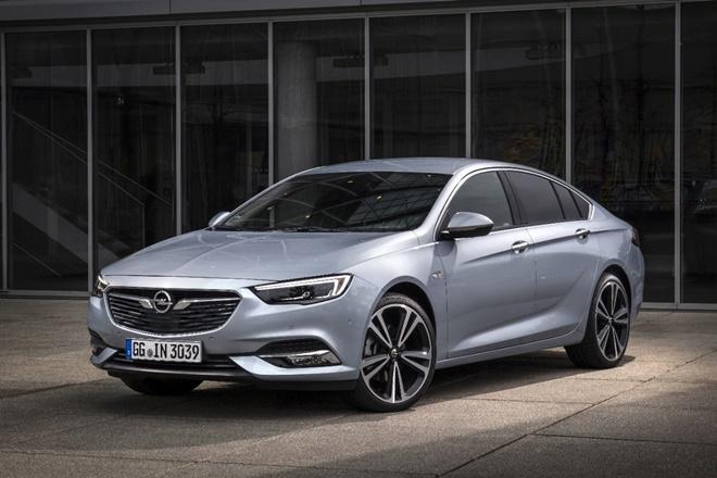 Opel Insignia con nuevo motor Biturbo diésel de 210 cv