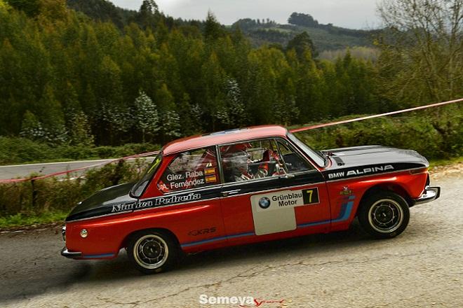 Cesar González con BMW 2002 Ti  triunfa en el Rallye Cóbreces – Desafío BMW