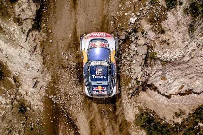Sainz líder del Dakar tras los problemas de Peterhansell