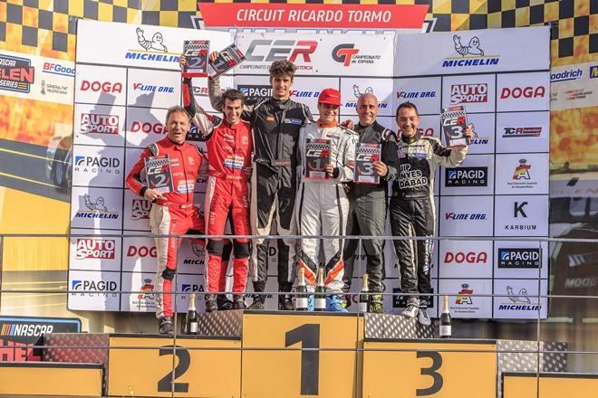 podio CER Cheste Vinyes-Font Cupra TCR