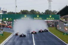 ► Nicolas De Vries se hace con la primera carrera ante Lando Norris