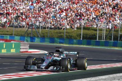 Hamilton vence desde la Pole en Hungría