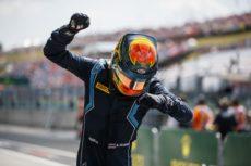 ► F2 Hungría: Albon vence en la carrera corta con otra gran remontada de Russell