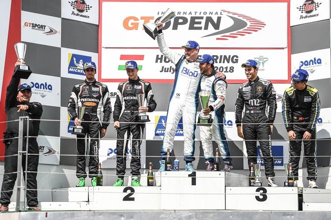 podio hungria gt open drivex hahn khodair 1007