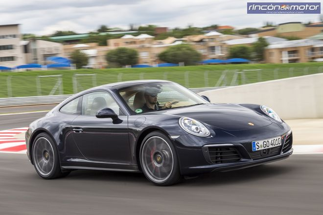 Porsche 911 Coupe 2016