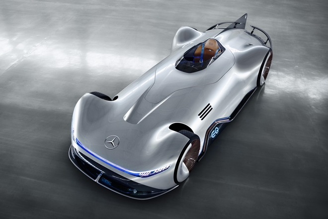 mercedes-benz eq silver arrow 2018