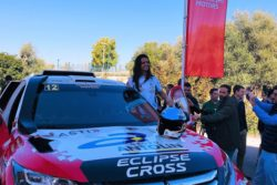 Cristina Gutiérrez y Mitsubishi presentan oficialmente el nuevo Eclipse del Dakar 2019