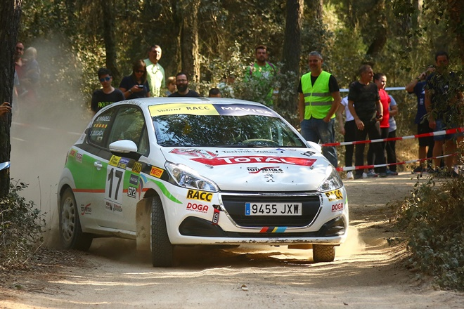volant racc paradell peugeot 208