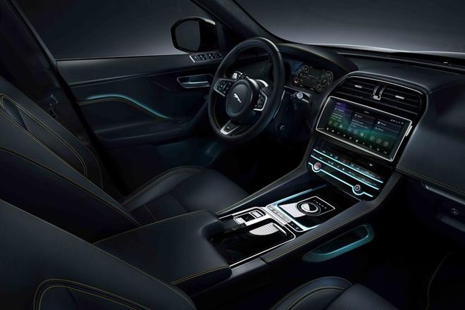 Jaguar F-Pace 300 Sport interior 2019