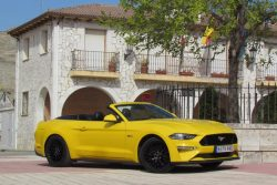 ford mustang convertible 50 at 2019 prueba
