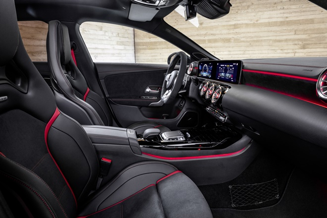 Mercedes-Benz CLA Shooting Brake AMG 45 2019
