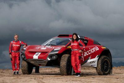 Carlos Sainz y Laila Sanz en el Extreme E con Acciona